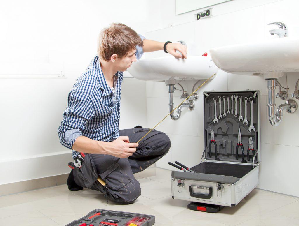 Installation lavabo par un pro en plomberie